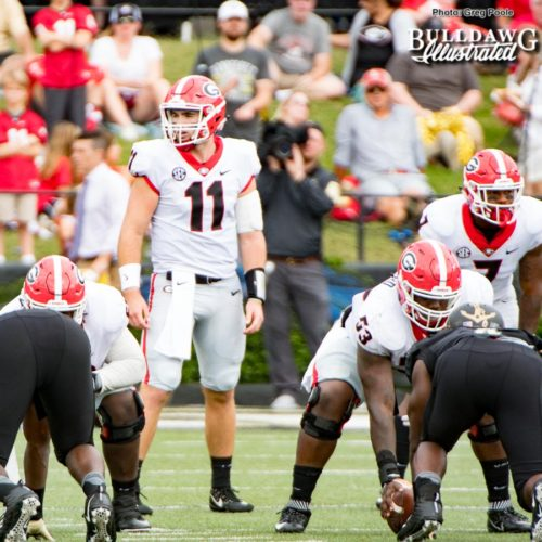 Jake Fromm (11) scans the Commodores' defense before the ball is snapped - UGA vs. Vanderbilt - Saturday, October 7, 2017