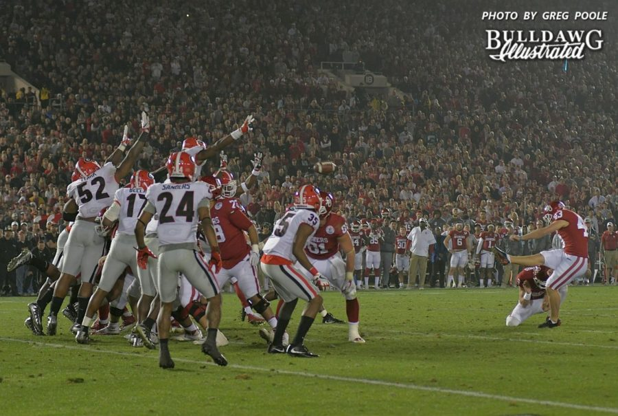Lorenzo Carter (7) blocking the Sooner field goal attempt in the second overtime period was one of the keys of the Bulldogs 54-48 Rose Bowl victory on Monday, Jan. 1, 2018.
