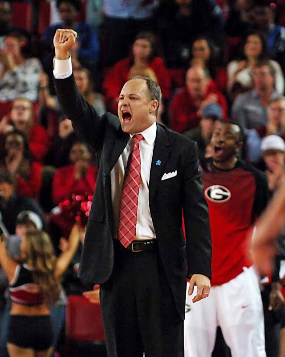 Mark Fox encourages his players during the UGA vs. Tennessee game 2015