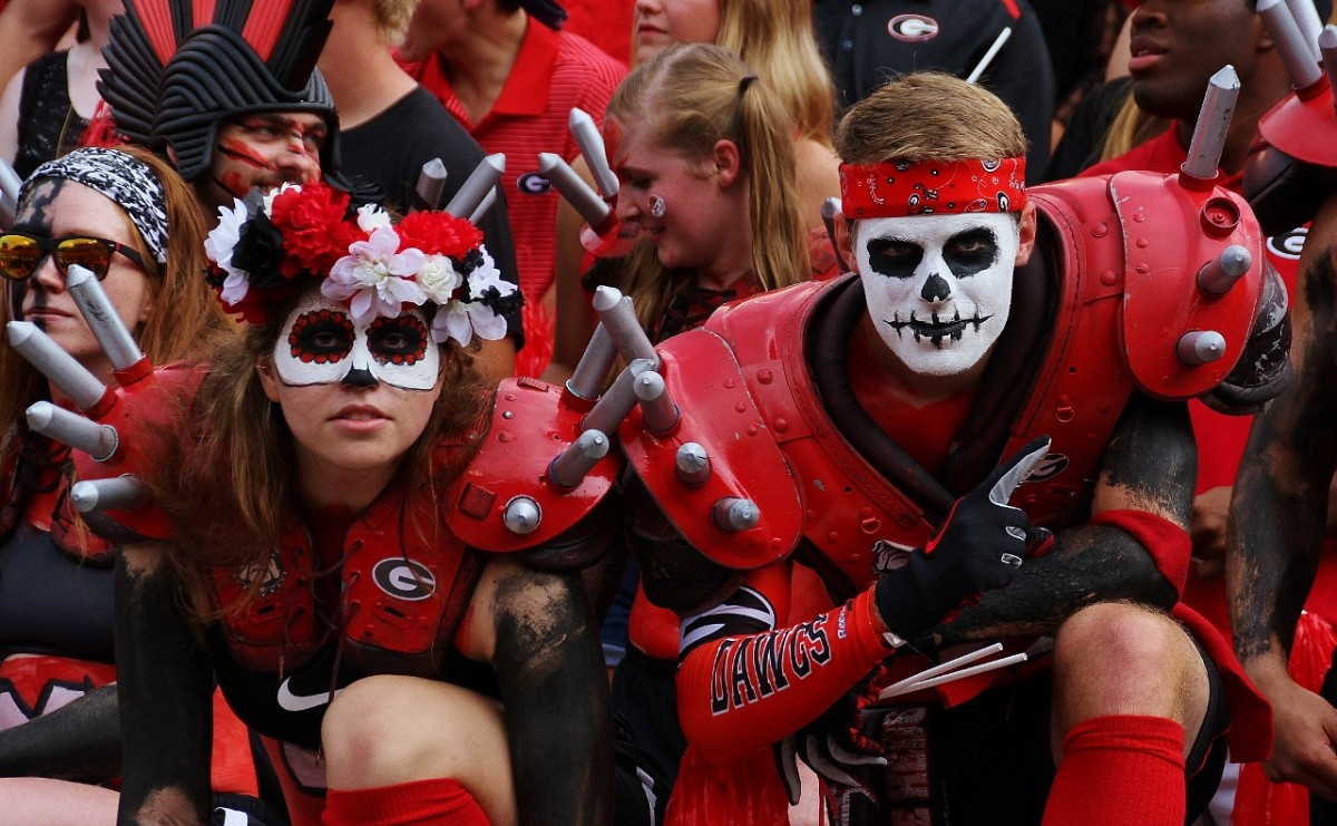 Dawg Crazies 2 (Photo by Rob Saye)