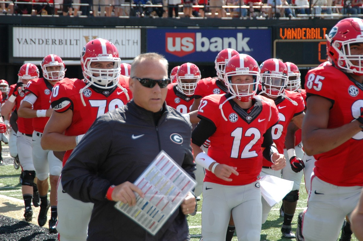 Coach Mark Richt takes the team onto the field - first half UGA vs Vandy 09-12-2015