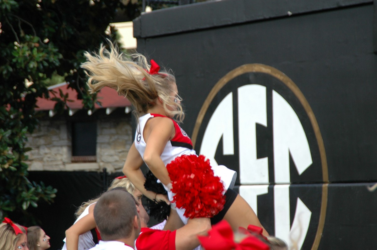 Georgia Cheerleaders get Dawg fans fired up at UGA vs. Vanderbilt, Sept. 12, 2015. (Photo by Greg Poole / Bulldawg Illustrated)
