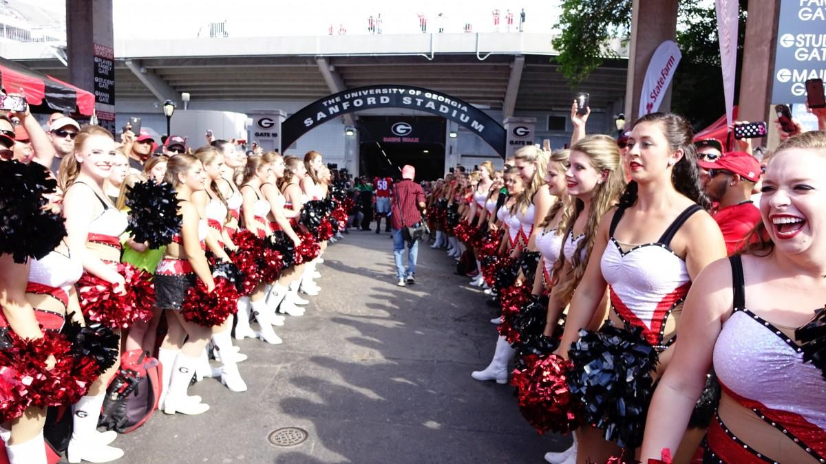 Dawg Walk – SC vs UGA 09-19-2015 [Photo by Greg Poole / Bulldawg Illustrated]