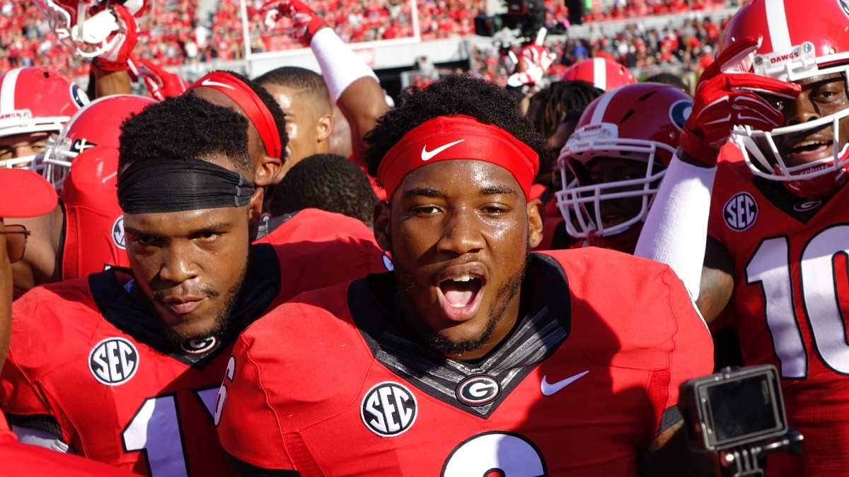 Georgia football team gets ready to take on South Carolina between the hedges of Sanford Stadium, September 19, 2015 (Photo by Greg Poole / Bulldawg Illustrated)