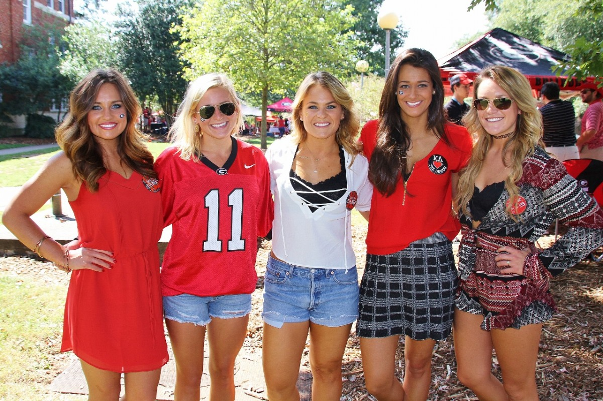 Jessi Young, Katie Perkins, Kelsie Bickett, Stephanie Dana & Rachel Perkins