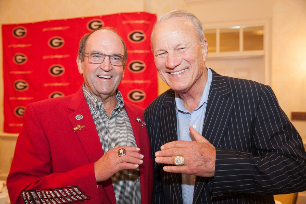 Bobby Poss and Barry Switzer (Photo by Vance Leavy / Bulldawg Illustrated)