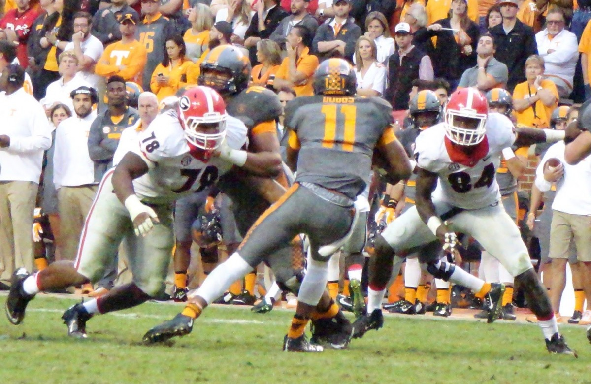 Defensive lineman Trenton Thompson UGA vs. Tennessee 10-Oct-2015 (Photo by Greg Poole / Bulldawg Illustrated)