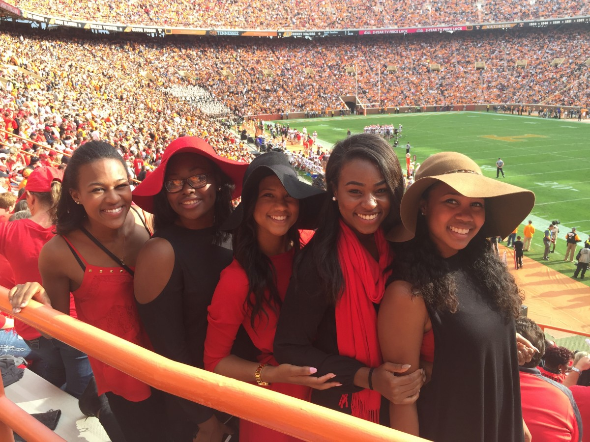 Nicole Baker, Dionne Aikhionbare, Dacia King, Vanesha Waiters and Enya Spicer (Photo by Vance Leavy / Bulldawg Illsutrated)