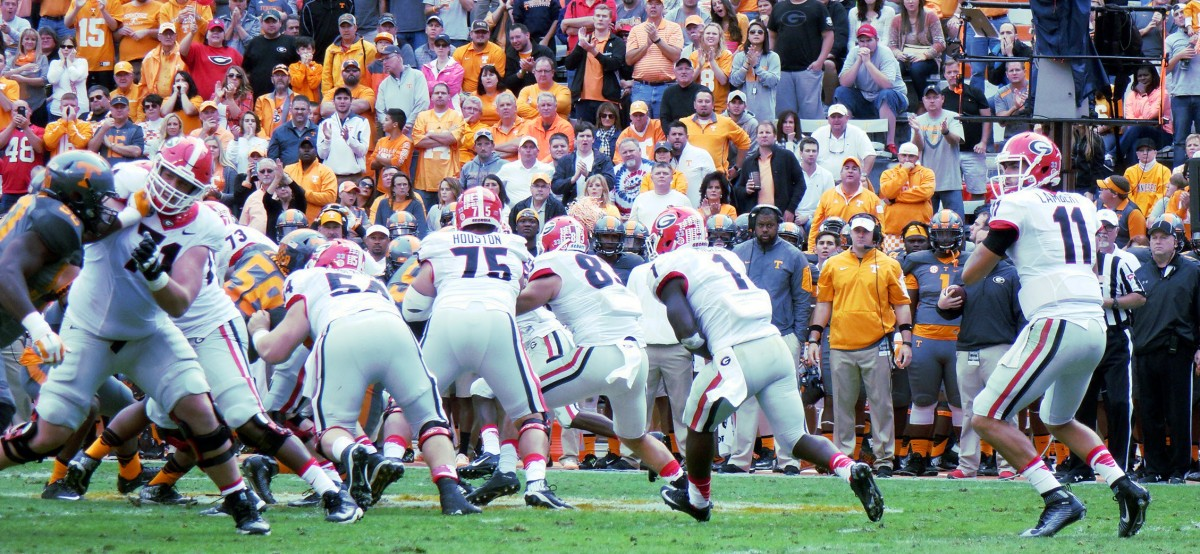 Greyson Lambert searches for a target vs. Tennessee