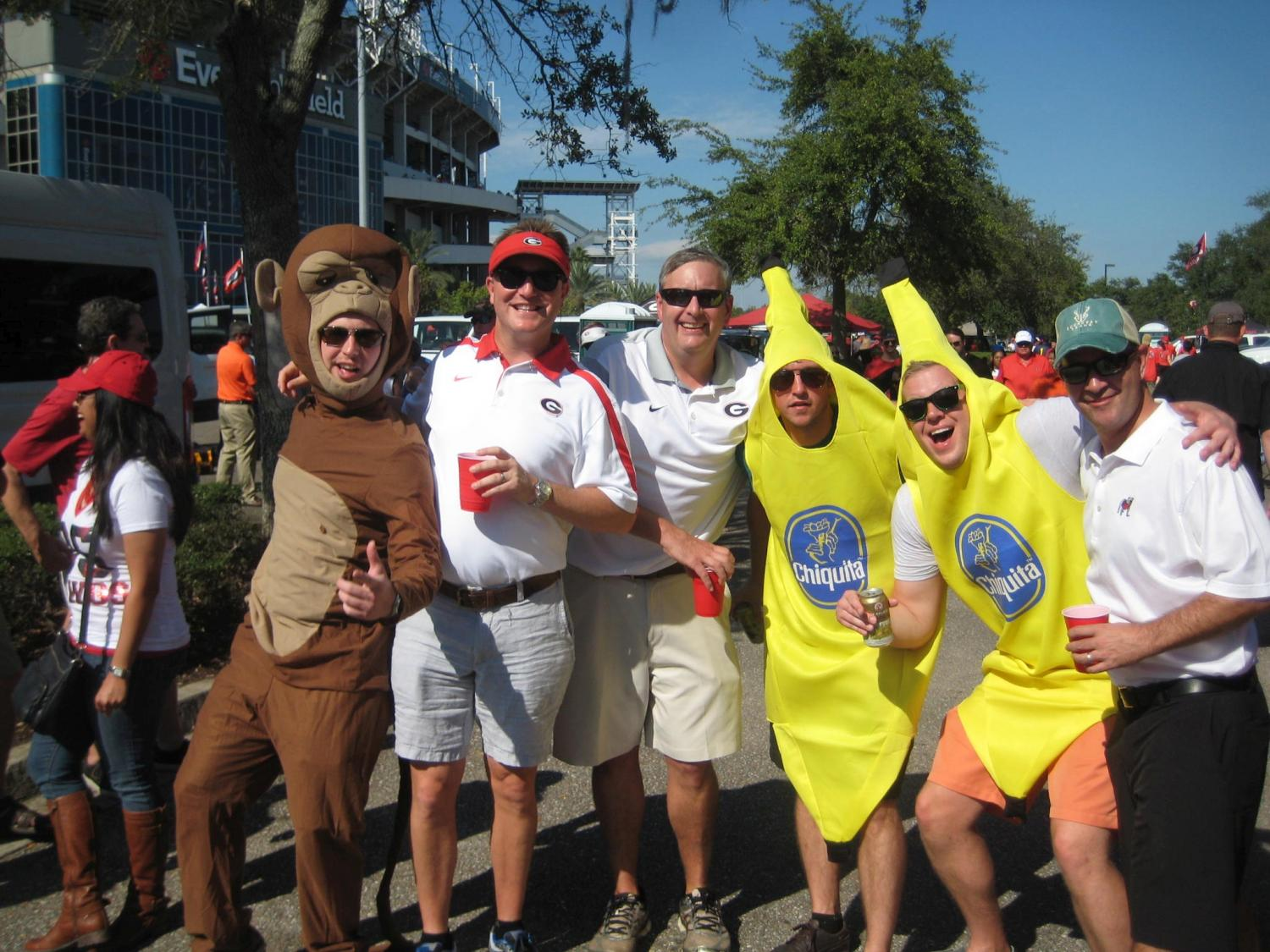 Brian Ross, Jeff Suits and Jeff Ramsey with the monkeys and bananas Georgia-Florida Classic 31-Oct-2015 (Photo by Bulldawg Illustrated's Vance Leavy)