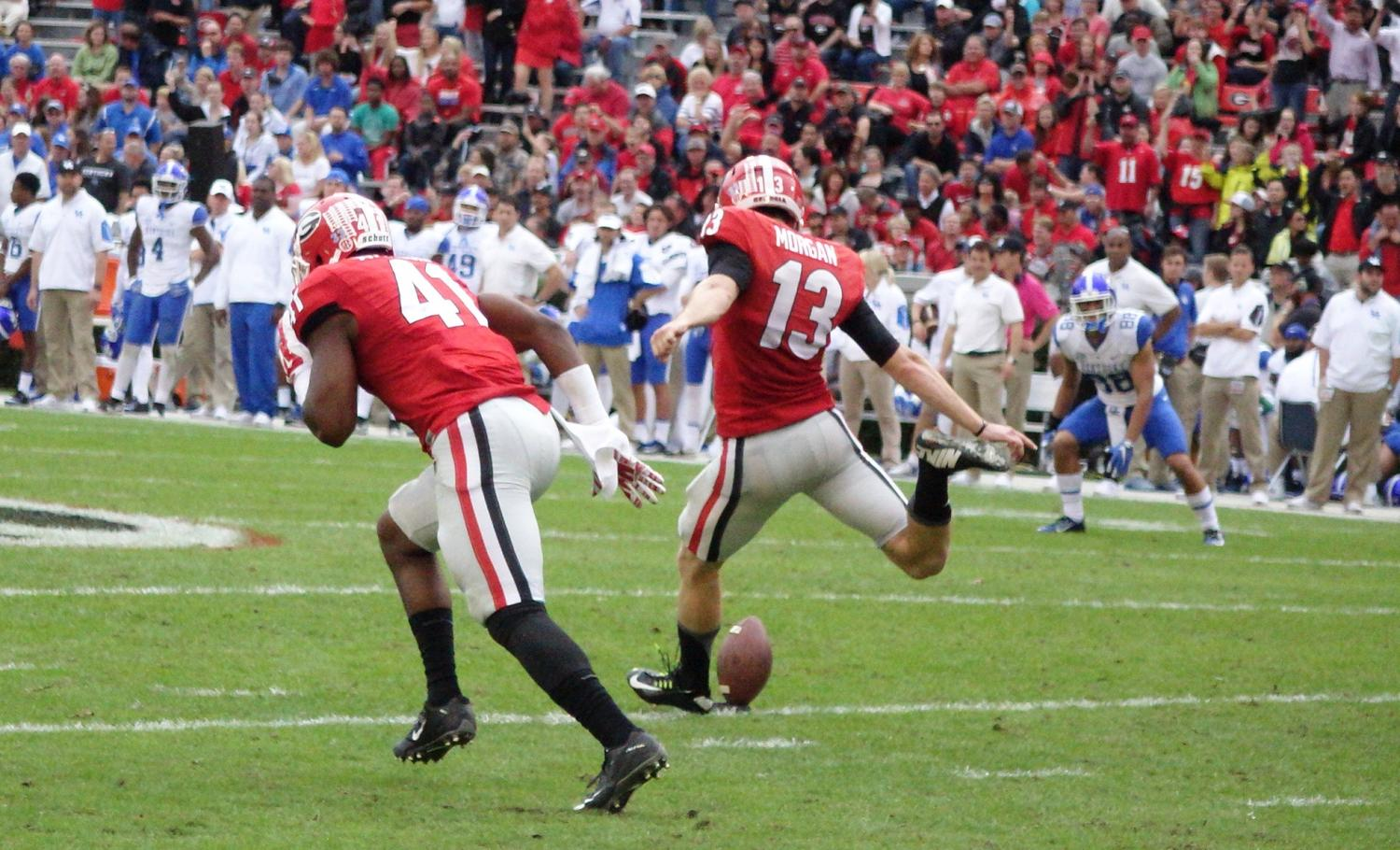 Georgia kicks off after going up 17-3 during second half Kentucky vs. Georgia 07-Nov-2015