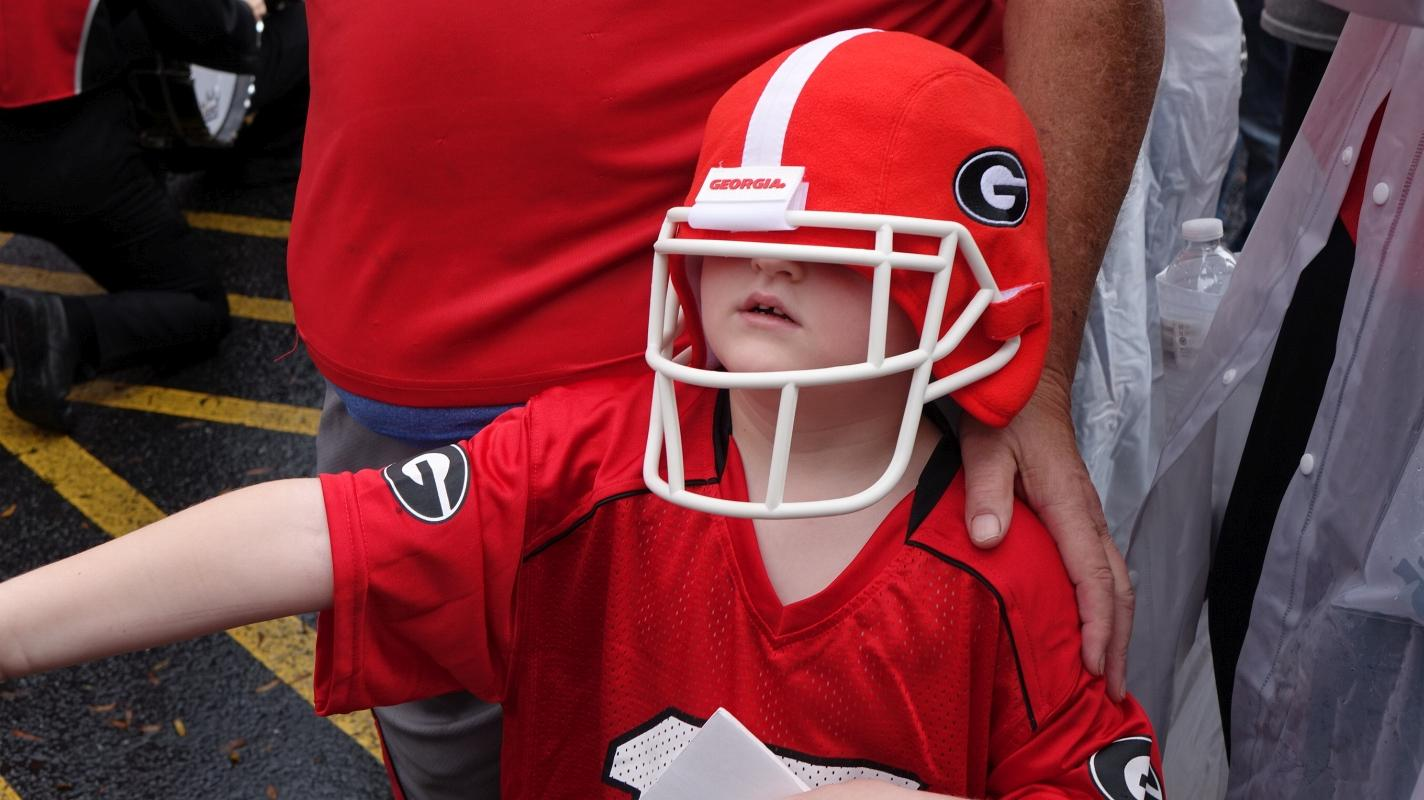 Dawg Walk Kids Kentucky vs. Georgia 07-Nov-2015 (Photo by Bulldawg Illustrated's Greg Poole)