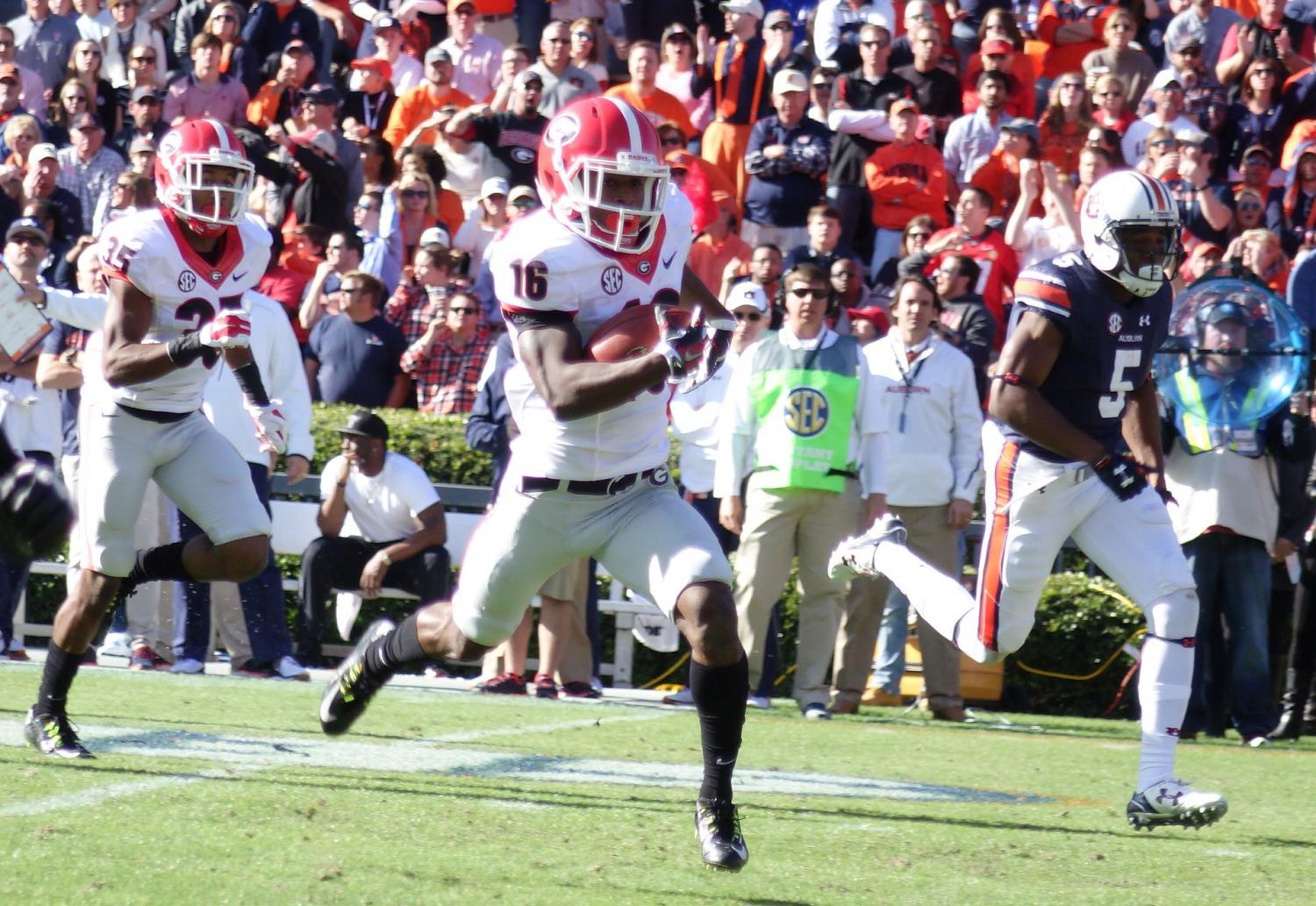Isaiah Mckenzie eyes the endzone - punt return for TD - 2nd half - UGA vs. Auburn 14-Nov-2015 (Photo by Bulldawg Illustrated's Greg Poole)