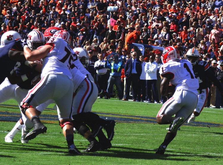 Sony Michel runs to daylight vs. Auburn 2015