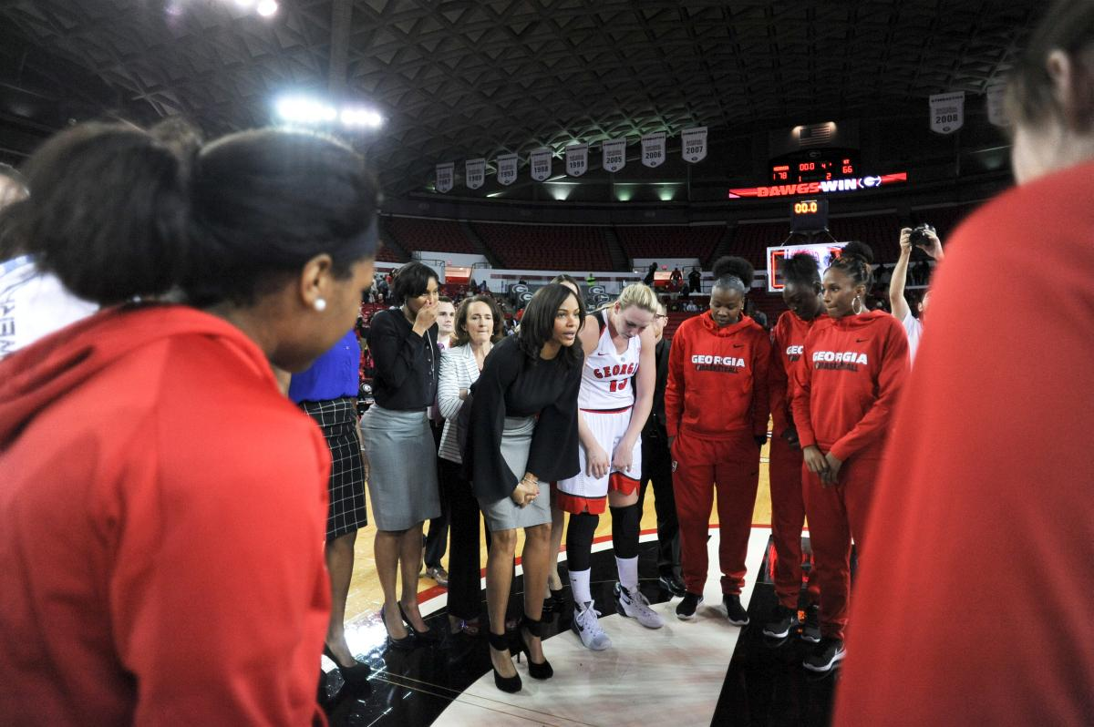 Georgia head coach Joni Taylor speaks with the team during the Lady Bulldogs' game with the Georgia Tech Yellow Jackets at Stegeman Coliseum in Athens, Ga., on Sunday, November 22, 2015. (Photo by Sean Taylor)