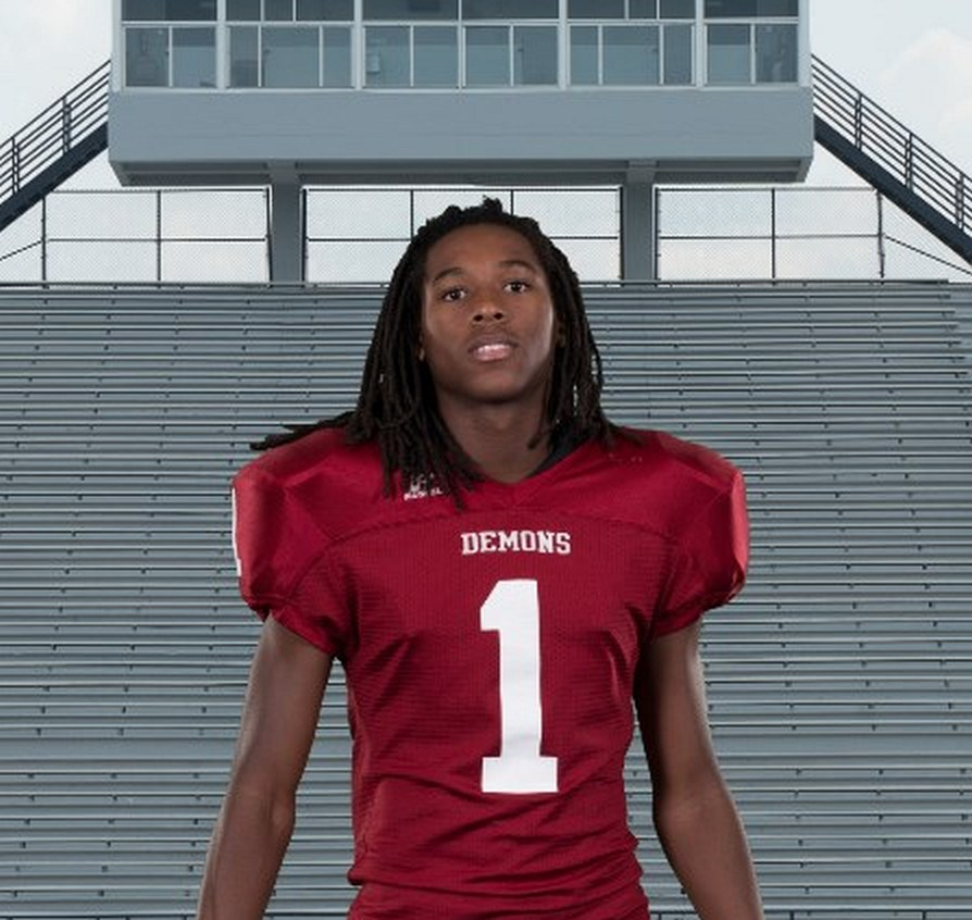 Marquez Callaway – 2016 DB / WR - Warner Robins, GA (Photo courtesy of Hudl)