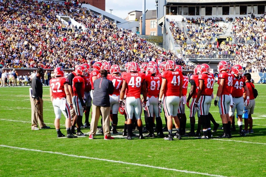 Georgia huddled up during 2nd half of UGA vs. GT game 28-Nov-2015 (Photo by Bulldawg Illustrated's Greg Poole)
