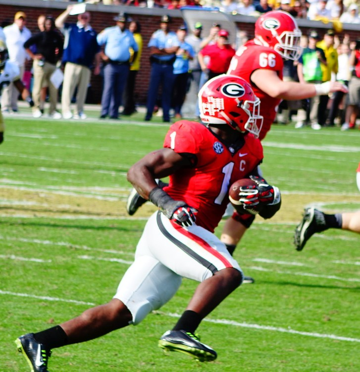 Sony Michel 3rd quarter rush - UGA vs. GT 28-Nov-2015 (Photo by Bulldawg Illustrated's Greg Poole)