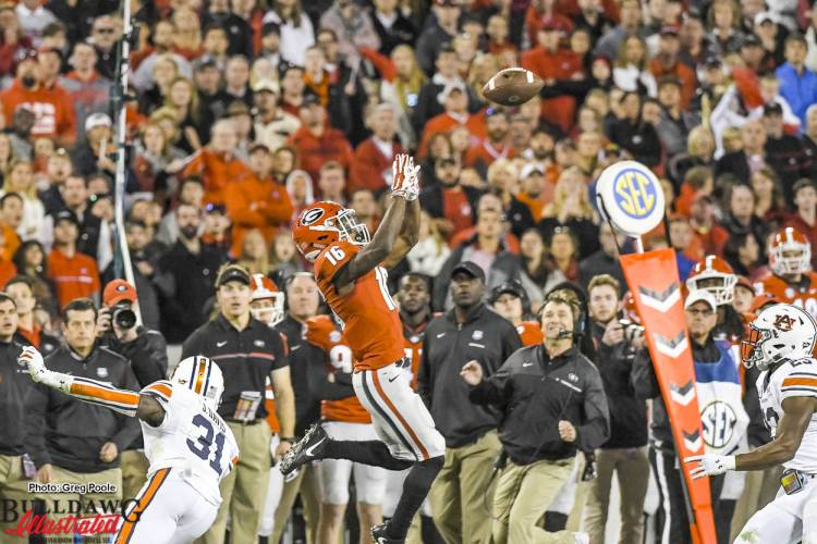 Isaiah McKenzie (16) goes up to grab a pass from Jacob Eason - Georgia vs Auburn 12-Nov-2016