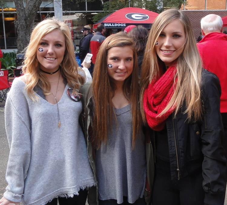 Lexi Howell, Gracie Mitchell and Sarah Kate Brown