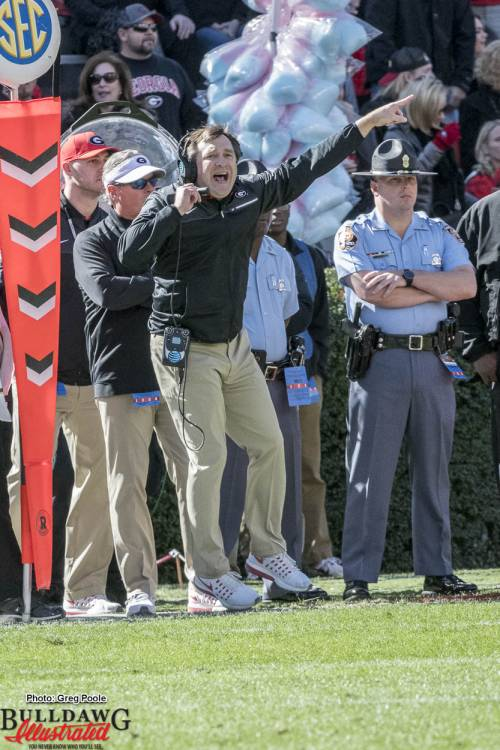 Kirby Smart gets air while gesturing to his team during Georgia's win against ULL.