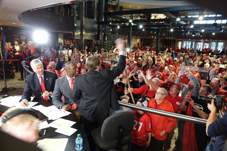 Georgia Head Coach Kirby Smart waves to fans at Butts-Mehre Heritage Hall, Athens, GA on National Signing Day 2016 (Photo: Greg Poole/Bulldawg Illustrated)