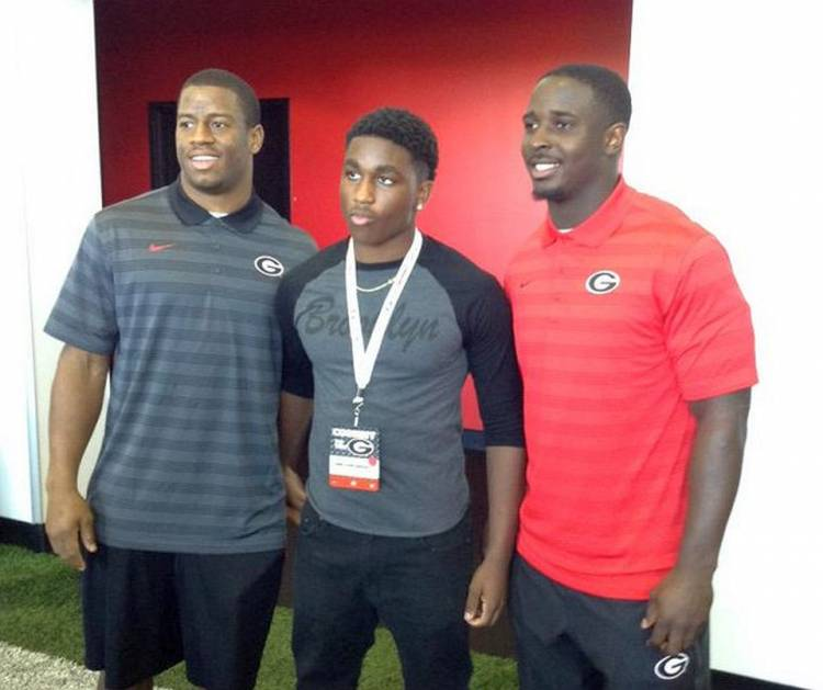 Gino Appleberry Jr. (middle) with UGA RBs Nick Chubb (left) and Sony Michel (right) (photo from Gino Appleberry Jr. - Twitter)