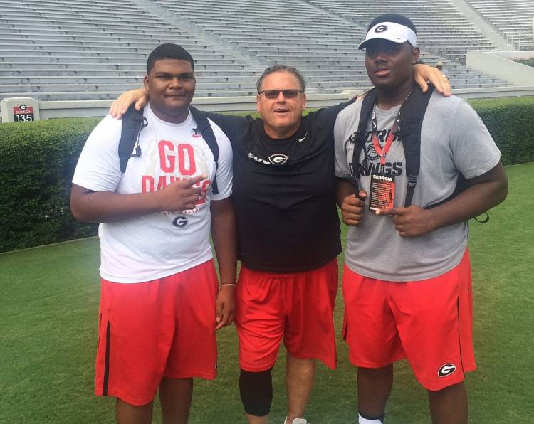 Jamaree Salyer (left), Georgia OL Coach Sam Pittman, Andrew Thomas (right) (photo from Jamaree Salyer - Twitter)