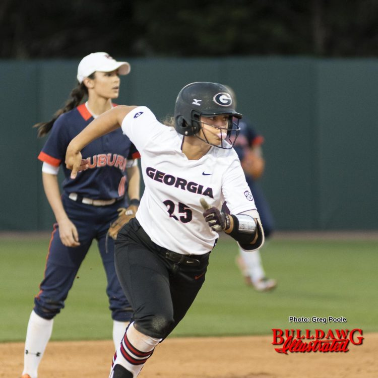 Lacey Sumerlin can run bases and blow bubbles – Georgia vs. Auburn game one