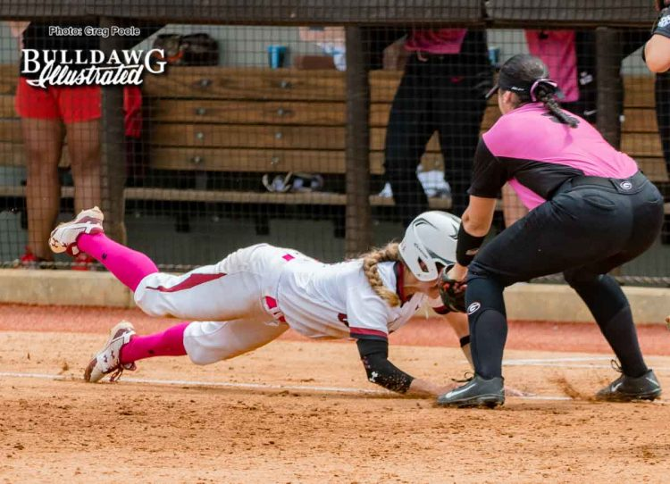 Alyssa DiCarlo tags a South Carolina player caught in a rundown – Georgia vs. South Carolina – April 29, 2017