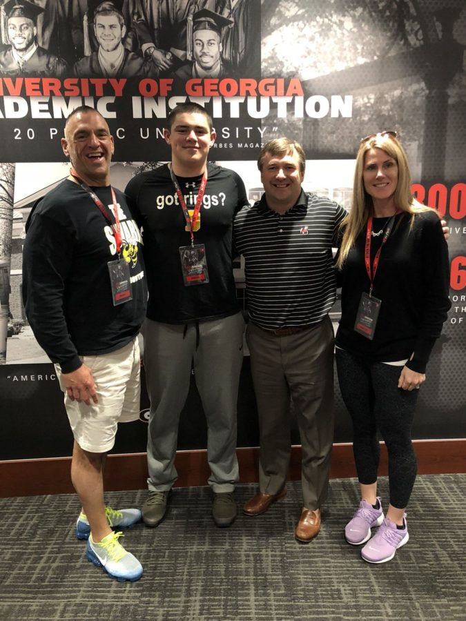 Bryan Bresee and family with Kirby Smart. Photo @bryan_bresee Twitter